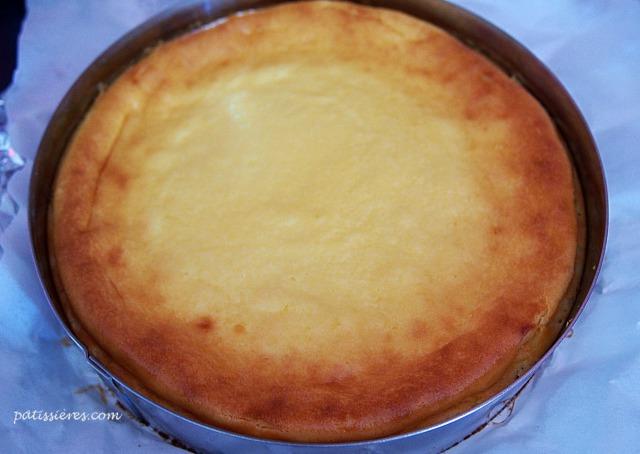チーズケーキを冷まします
